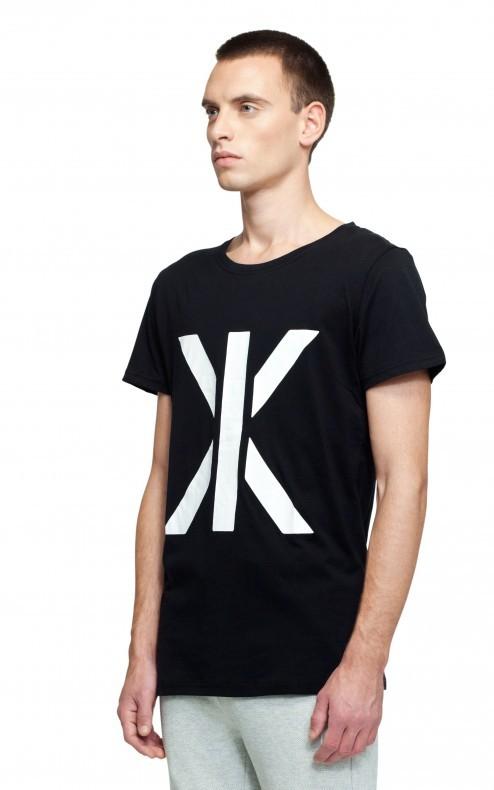 basic tee schwarz t shirt onepiece de. Black Bedroom Furniture Sets. Home Design Ideas